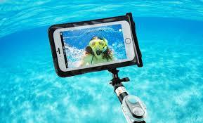 10.Poza Stick selfie subacvatic p2